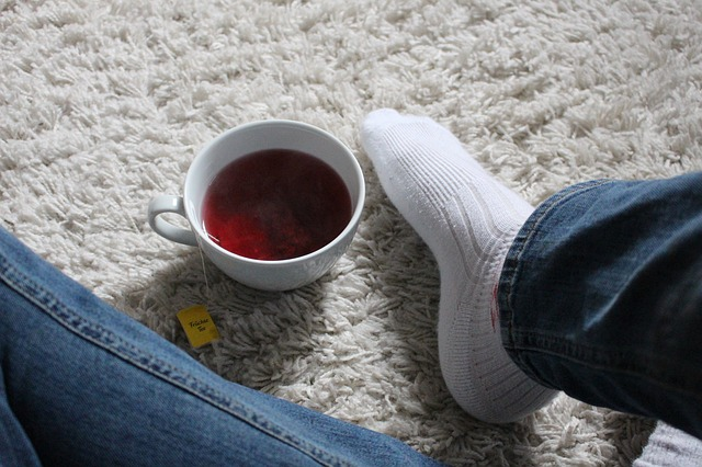 čaj na koberci