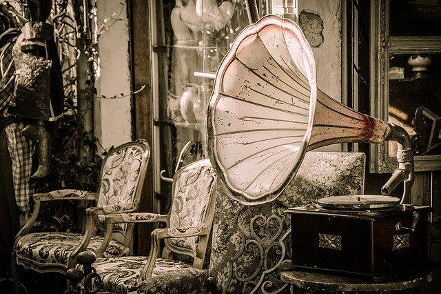 Starožitný gramofon